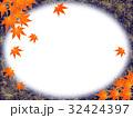 秋 紅葉 フレームのイラスト 32424397