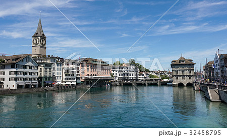 ZURICH, SWITZERLAND : View of historic Zurich city 32458795
