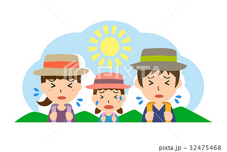 夏の行楽 熱中症の親子(父、母、娘) 32475468