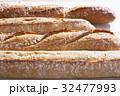 パン 32477993
