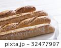 パン 32477997