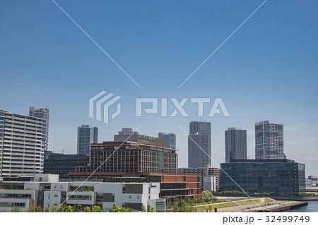 豊洲の街並みと東雲の高層マンション群 32499749
