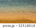 Edge of sea and sand beach 32518018