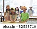 林間学校 料理する小学生 32526710