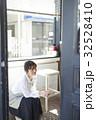 人物 女性 カフェの写真 32528410