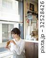 人物 女性 カフェの写真 32528426