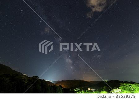 7月の天の川 permingM1607020 季節の写真素材  32529278