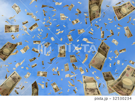 空に舞う一万円札 32530234
