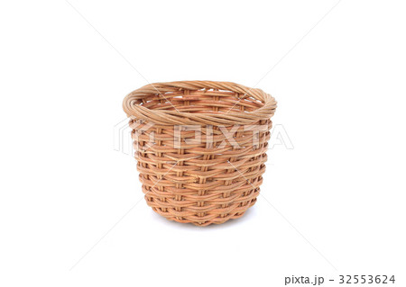 wood basket on isolatedの写真素材 [32553624] - PIXTA
