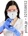 女性 メス 注射の写真 32558652