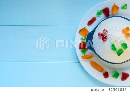 big ball of homemade sorbetの写真素材 [32561855] - PIXTA
