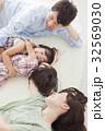 ファミリー 姉妹 笑顔の写真 32569030