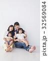 家族 人物 子供の写真 32569084