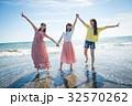 女子旅 南国リゾート 女性3人 32570262