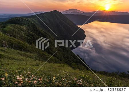 摩周湖と朝日2 32578027