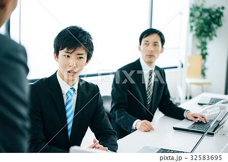 ビジネスマン 男性 32583695