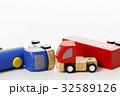 交通事故 正面衝突 車 自動車 白バック 乗り物 乗用車 32589126