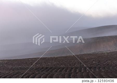 畑と霧1 32593436