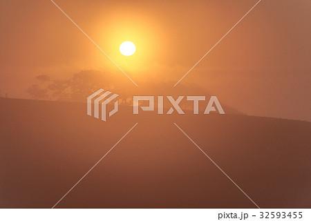 朝霧と太陽4 32593455