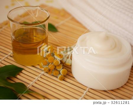 natural beauty skincare product の写真素材 [32611281] - PIXTA