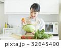 主婦 野菜 32645490