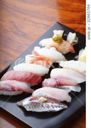 にぎり寿司 32665704