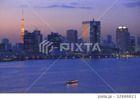 東京港と都心夕暮れ 32666621