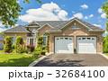 Custom built luxury house in the suburbs of 32684100