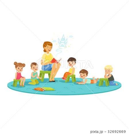 Teacher reading a fairytale to kids, childrens 32692669