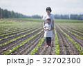親子 農家 母子の写真 32702300