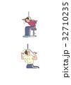 トレーニング エクササイズ ラットプルダウンのイラスト 32710235