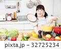 キッチン 料理 小学生 女の子 子供 ライフスタイル 32725234