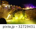 草津温泉の湯畑(夜景) 32729431