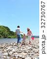 家族 川遊び 河原の写真 32730767