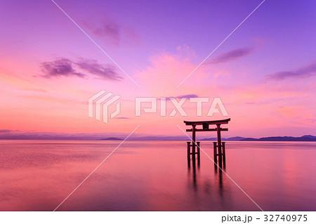 琵琶湖 朝焼け 32740975