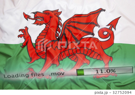 Downloading files on a computer, Wales flagの写真素材 [32752094] - PIXTA
