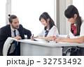 外国人教師 女子高校生 授業の写真 32753492