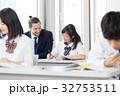 外国人教師 女子高校生 授業の写真 32753511