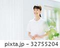 白衣 ナース服の女性 32755204