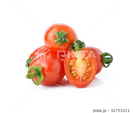 cherry tomatoes isolated on white background.の写真素材 [32755221] - PIXTA