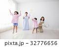 人物 子供 女の子の写真 32776656