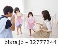 人物 子供 女の子の写真 32777244