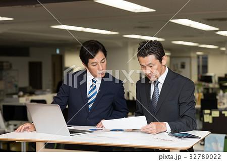 打合せ ビジネスイメージ 32789022