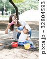 母親 育児  32804593