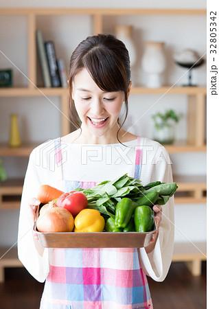 主婦(野菜) 32805342