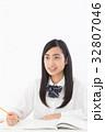 女子高生 高校生 学生の写真 32807046