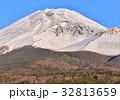 富士山 世界遺産 雪山の写真 32813659