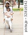 母親 育児  32816542