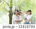 ママ友 幼児 母親の写真 32816784
