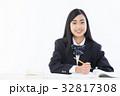 女子高生 高校生 学生の写真 32817308